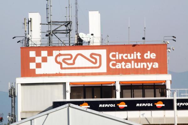 位於巴塞隆納的Catalunya賽車場,本次提供完整4.655km場地供媒體測試使用。
