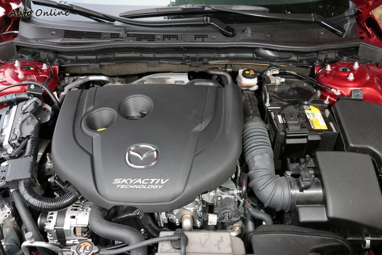Mazda在柴油技術這塊導入SKYACTIV-D技術,技術層面透過引擎內部修改,將柴油引擎劣勢轉為優勢。