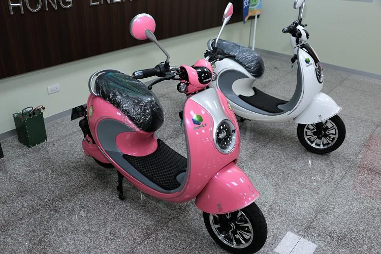 GreenIce推出自家電動自行車,不需要車牌而且蓄電量超過競爭對手。