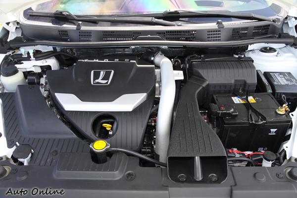 LUXGEN引擎室 引擎室上面有TURBO代表這具引擎是有渦輪增壓