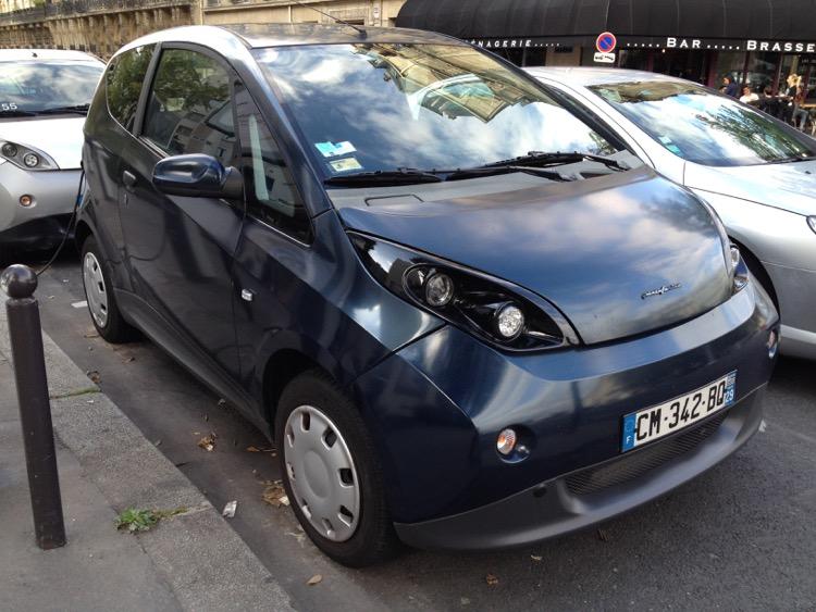 由PINIFARINA設計的Bolloré Bluecar電動車。