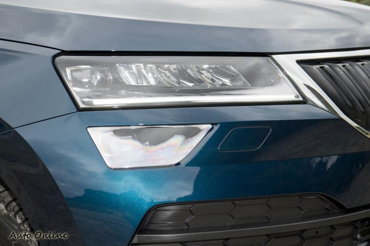 原廠有提供全LED頭燈,未來有機會在中高階車型上見到。