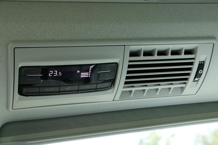 包括三區恆溫空調和室內空氣粉塵濾淨器都在標準配備之中。