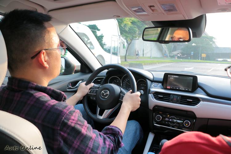 Mazda 6有著偏向歐洲車的沉穩動態表現。