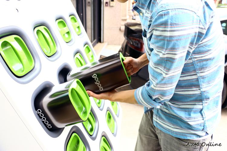 SmartScooter的換電池設計省去了充電等待的時間。