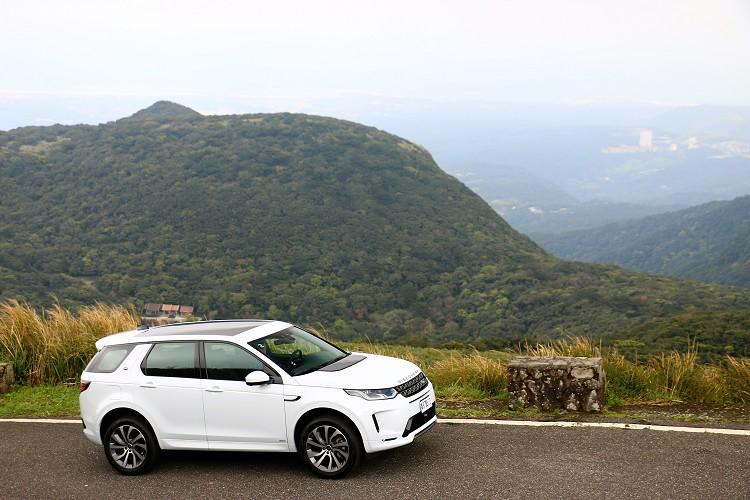 台灣販售版本有汽油動力P200 SE與P250 R-Dynamic SE,柴油動力則有D180 SE。