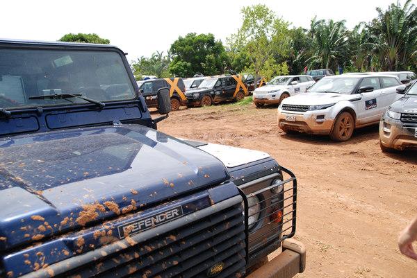業者特別徵調各地的經銷點的車輛支援越野體驗,許多還是全新的車輛。