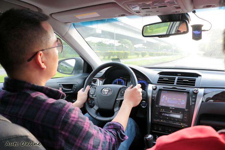 Toyota Camry Hybrid懸吊阻尼與彈簧搭配在對手中有最舒適的乘坐體感。