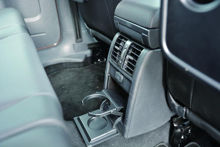 從車內總共高達9組的杯座,以及隨處可見的儲物設計,都可看出Caddy Maxi超強的空間規劃能力。