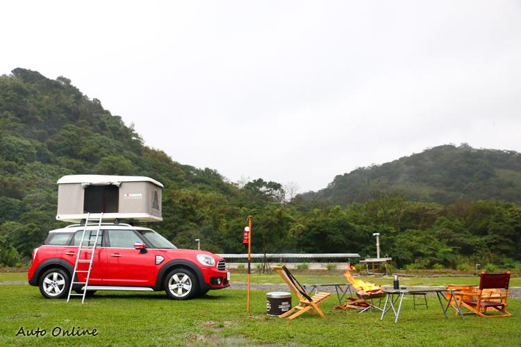為了要讓媒體能親身感受到它的魅力,特地安排露營場地來感受到MINI Countryman的戶外陽光氣息。