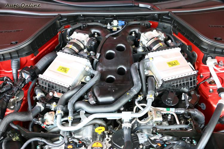 Q60S 3.0t Red Sport 400搭載榮獲世界十大引擎大賞的V6雙渦輪增壓引擎。