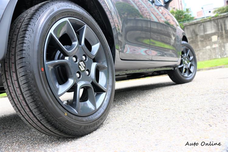 鋁圈配置到16吋規格,在不影響油耗前提下胎面只用到175/60R16寬度。