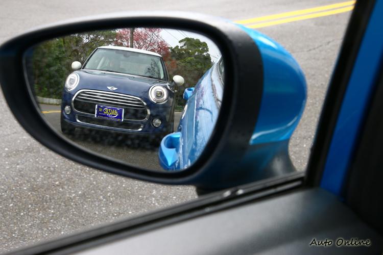 Mini的車頭造型不管幾年之後,我相信還是長這樣。
