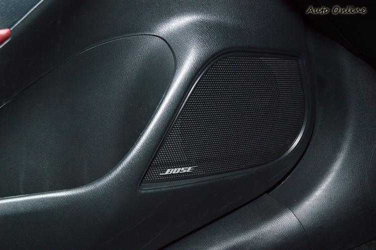 日規部份車型標配7支Bose喇叭,音質表現出乎意外地好。