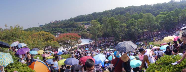 主辦單位估算到場觀眾人數突破5.5萬人,現場氣氛相當歡樂。