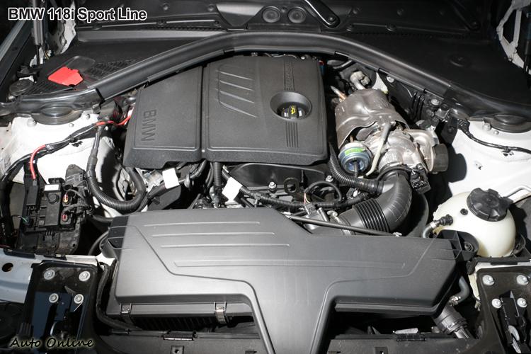 118i使用一顆1.6升最大馬力170hp渦輪增壓引擎,不過極低轉速就開始進行增壓,實際可用範圍寬廣。