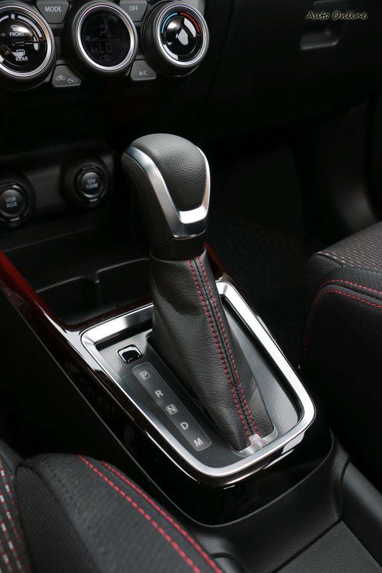原廠針對車身結構增加焊點數量,整體的剛性提高了1.4倍,抗扭曲強度提高3倍。