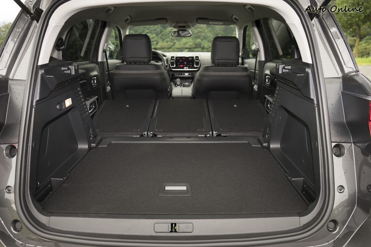 580公升的行李廂空間放倒後座椅背後可達1630公升。