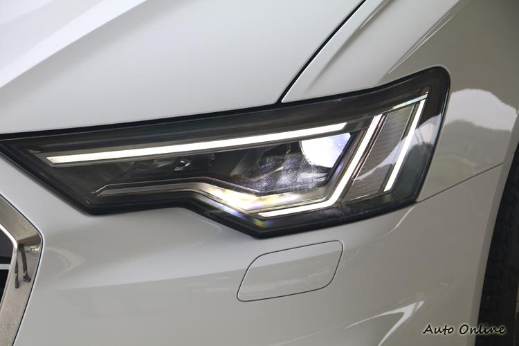 矩陣式 LED 極光頭燈組大大增加前方照明能力。