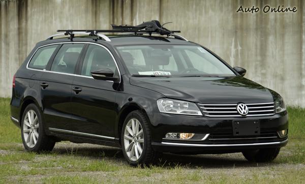 VW Passat TDI 搭載了可變式渦輪增壓柴油引擎,可輸出140匹最大馬力。