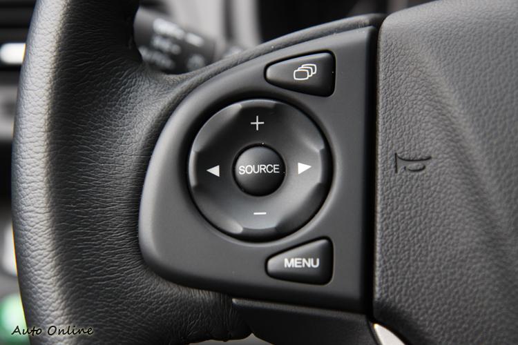車上大部分的控制鍵都很有設計感。