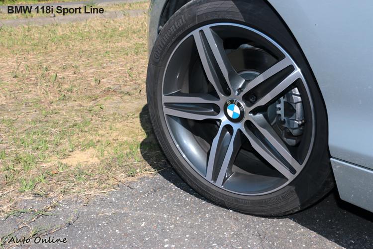 225/45R17輪胎尺寸規格,跑胎輔佐下增加操控樂趣。