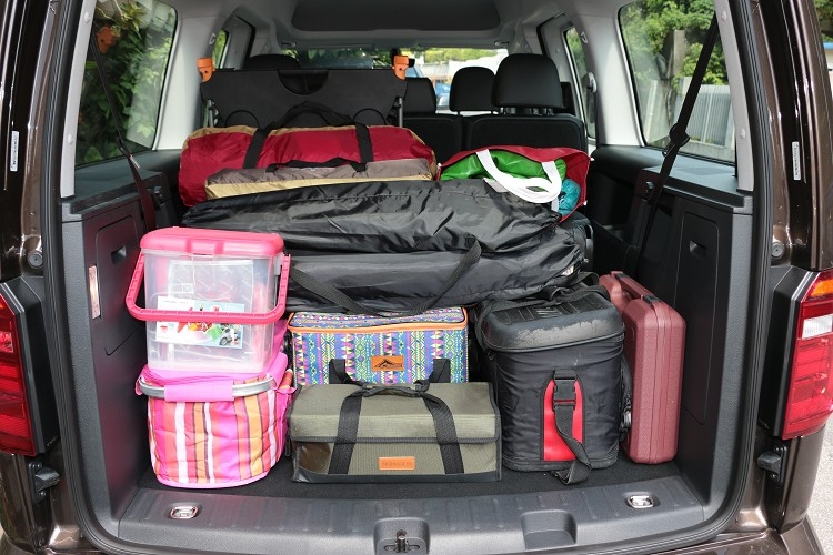 第三排座椅後方有530公升的行李空間,對於小家庭出遊行裡綽綽有餘。