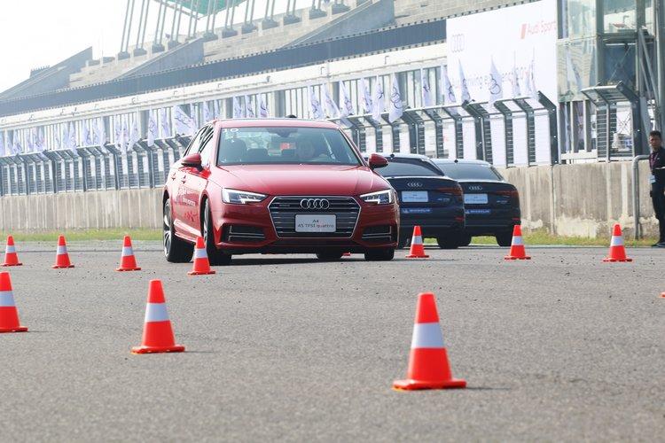 六月才剛剛上市的A4 45 TFSI quattro,也投入本次駕駛體驗活動。