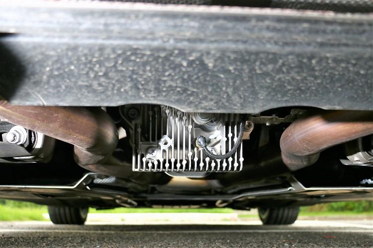 M款跑車化差速器,外殼自帶散熱鰭片可降低油溫。