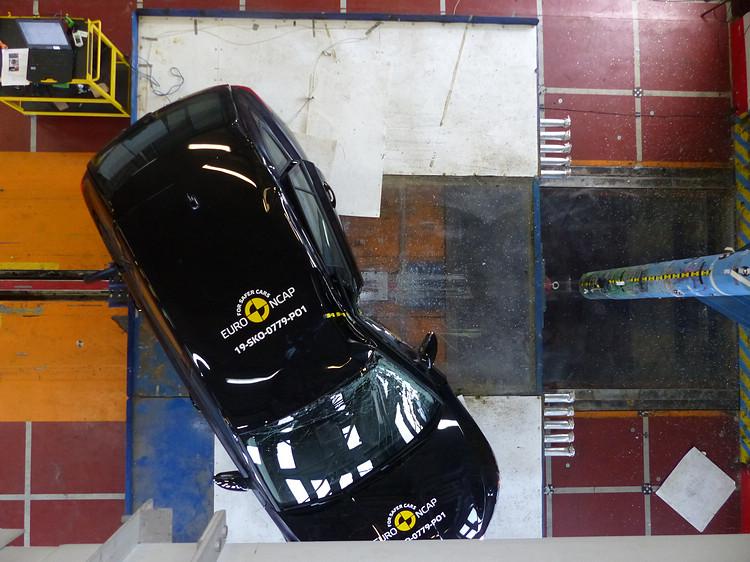 Kamiq的安全設計與Arona、T-Cross等姊妹車相似,理所當然也順利獲得五顆星。