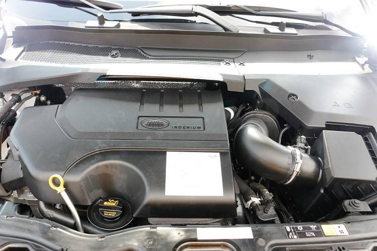 P250車型搭載一具Ingenium 2.0升四缸渦輪增壓引擎,最大馬力有249ps/5500rpm與37.5kgm/4500rpm最大扭力。