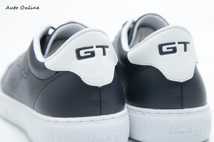 GT系列於後跟套加入GT字樣。