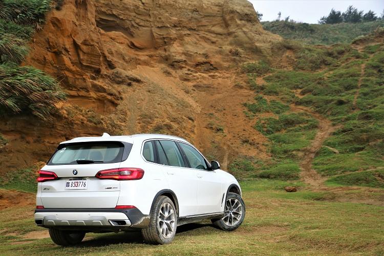 從X5可看出BMW對於未來的方向,這將會是一個很大的轉淚點,更期待接下來BMW所推出的全系列新車。