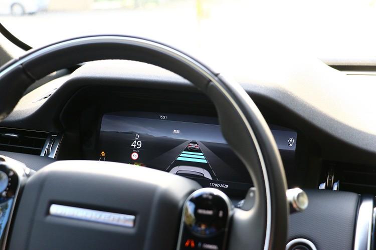 主動車距維持系統慢慢成為品牌中的標準配備。