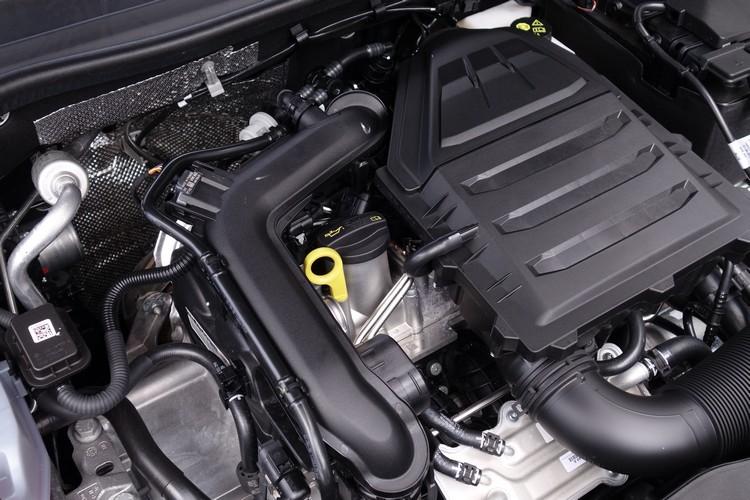 國內只引進1.0升三汽缸渦輪動力系統單一配置,最大馬力116匹。