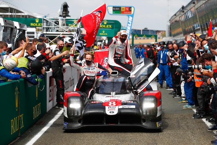 儘管過程發生波折,最後#8賽車三位車手成功取得了總冠軍。
