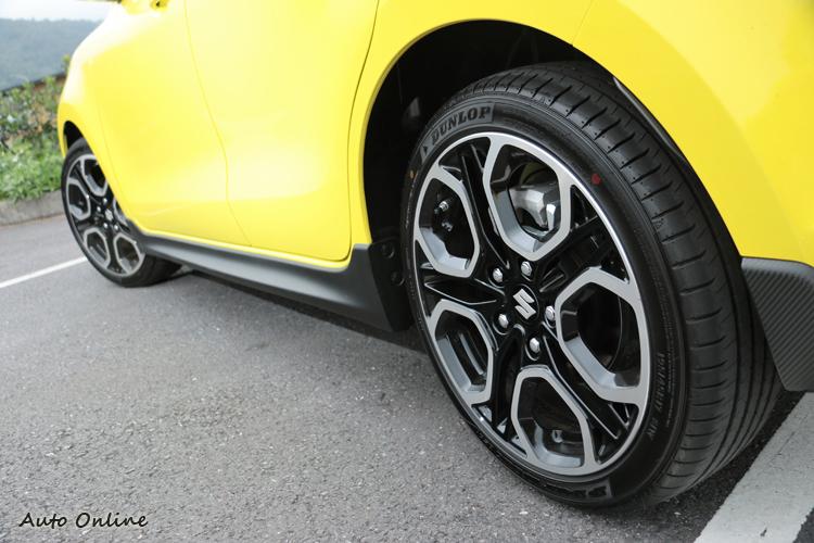 鋁圈規格為195/45R17,後續有很大升級空間。