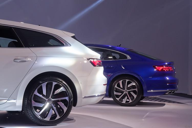 Fastback與Shooting Brake兩種車型的尾部線條各異其趣,也分別在行李空間和後座頭部空間方面佔有優勢。