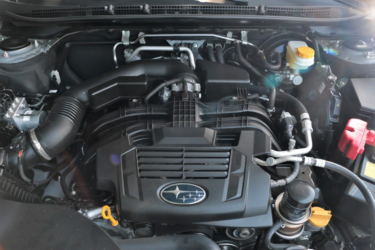 原廠表示此次針對90%引擎零組件和變速箱齒比進行重新設計和減重,並讓水平對臥引擎低重心、微震動與絕佳平衡等,徹底發揮產品優勢。
