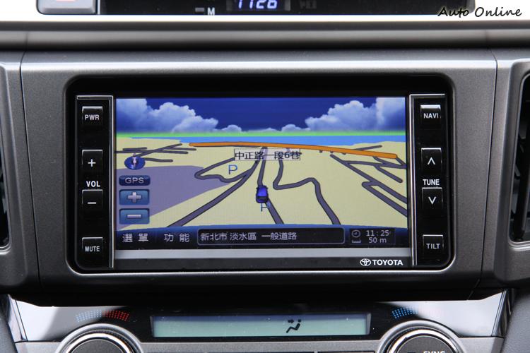RAV4 2.5 4WD將觸控衛星導航與數位電視螢幕列為標準配備。