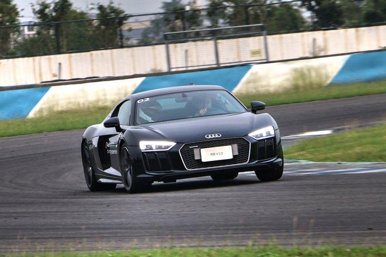 R8 V10的馬力在這裡只能排第三,不過毫無疑問卻是所有人最期待試駕的車款。
