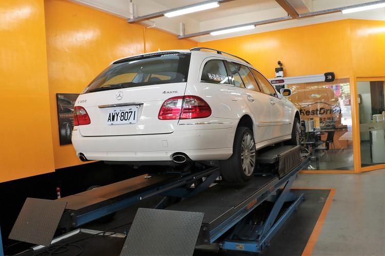 這次我們所要試胎對象為2007年M-Benz E350 S211 Wagon四輪驅動版本。