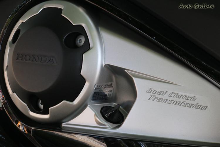 Honda招牌的 DCT(Dual Clutch Transmission)變速箱進入第二代,在換檔邏輯上進行更進一步的調校。
