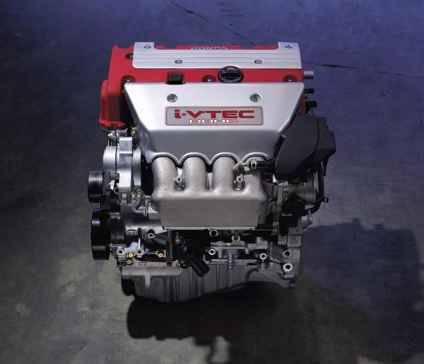 Civic TypeR上所搭載的K20A Spec-R,在i-VTEC智慧型可變氣門正時/揚程系統的幫助下,兼顧了實用與高性能兩種原本互相衝突的訴求。
