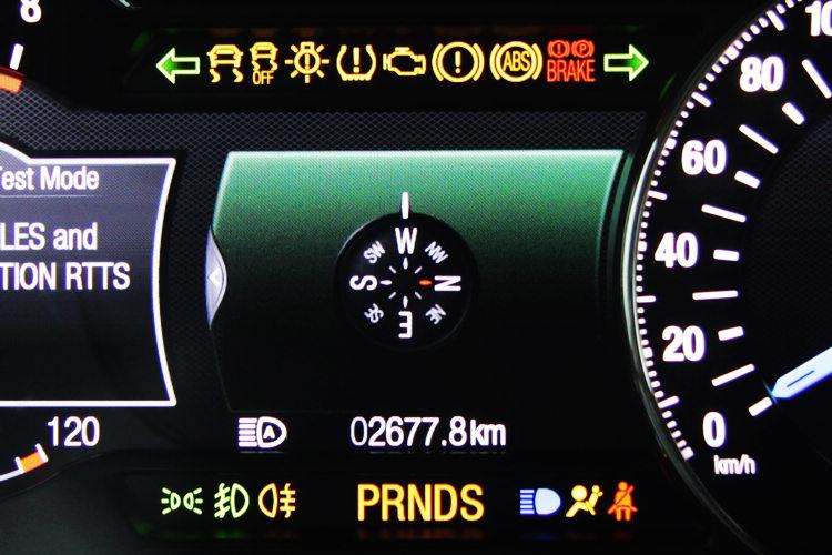 車輛的健康狀況也會透過儀錶顯示,但開車族必須先認識這些圖示代表的意義,這些在車輛的使用手冊上都會記載。