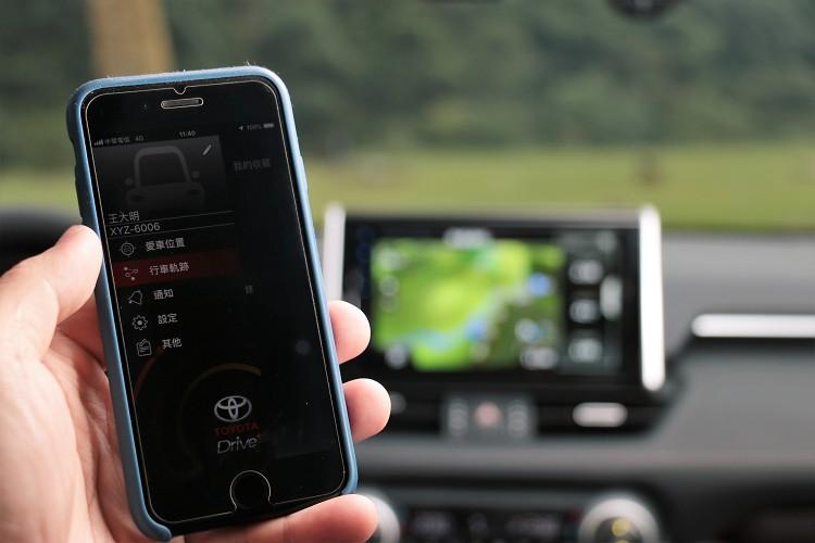 Toyota Drive+ Connect智聯車載系統搭配中華電信4G連網功能,可隨時掌握車輛狀態以及緊急救援功能。