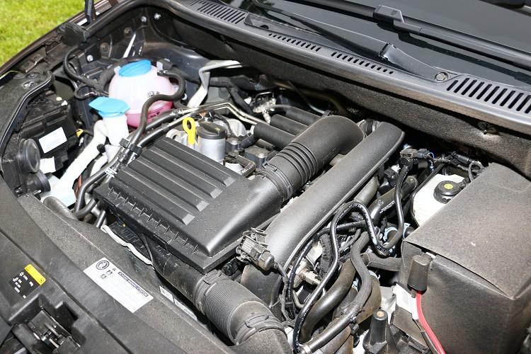 油耗方面,1.4升渦輪增壓引擎達到官方公佈的15.0km/L平均油耗表現。