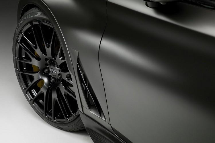 鍛造的21吋鋁圈,由輪拱延伸突出,比Q60來的更大、更寬、更輕。