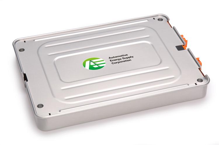 現在電動車搭載的主流為鋰離子電池,能量密度高,壽命也較長。