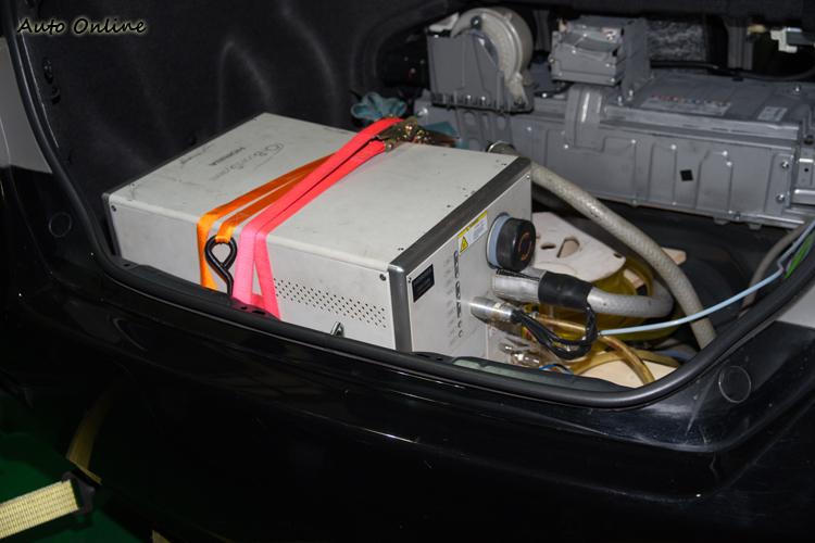 車載型量測系統主設備。